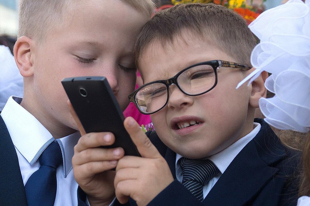 Болезни, которые вызывают смартфоны